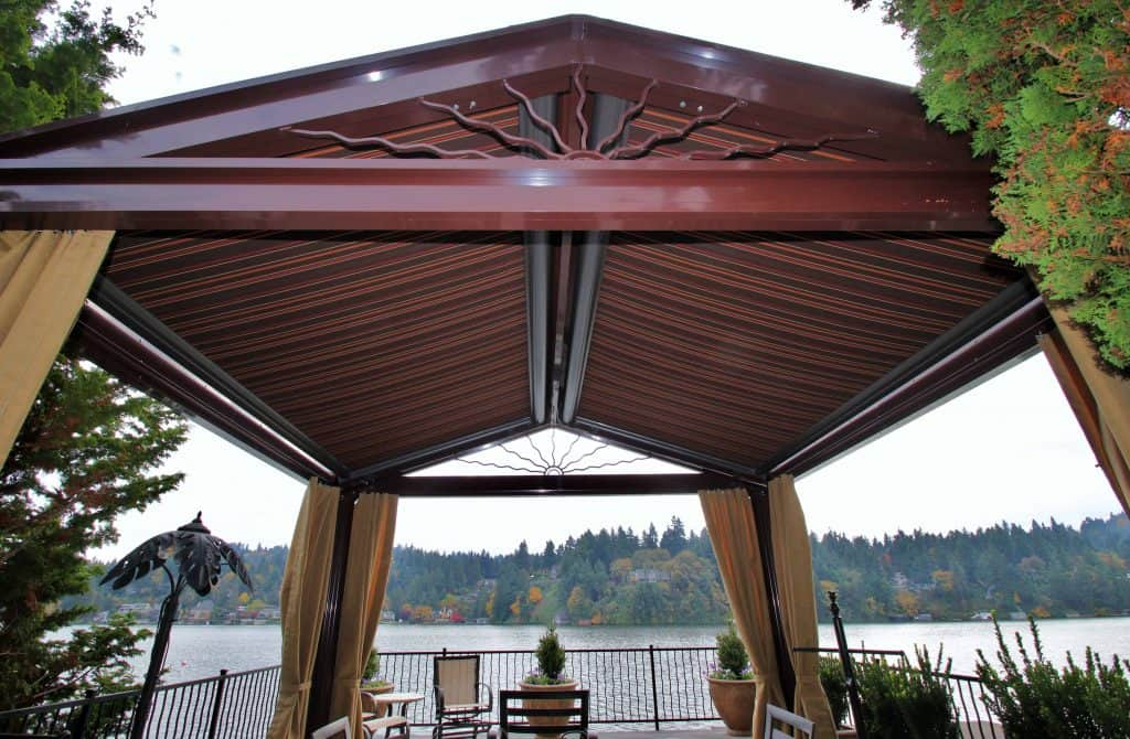 manual retractable awning