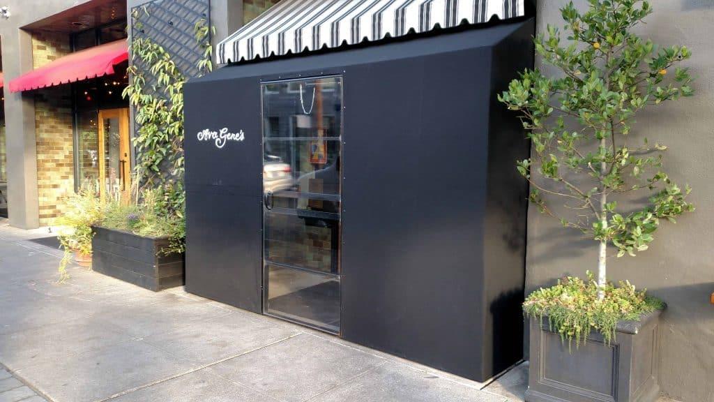restaurant vestibule